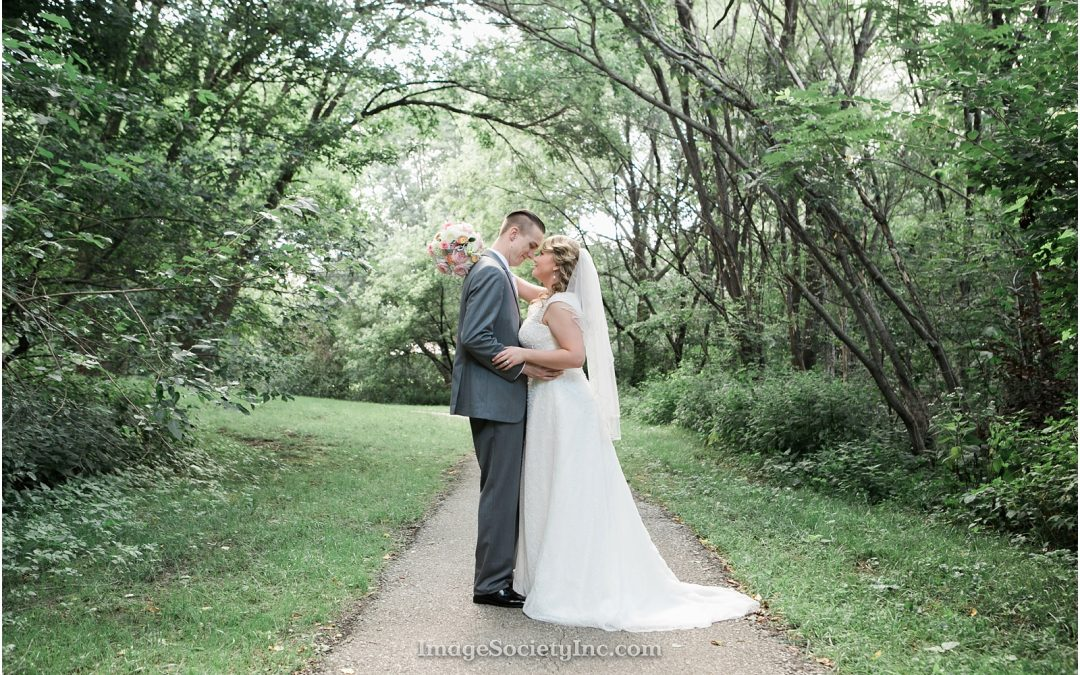 Mr. & Mrs. Curtis: Omaha Wedding
