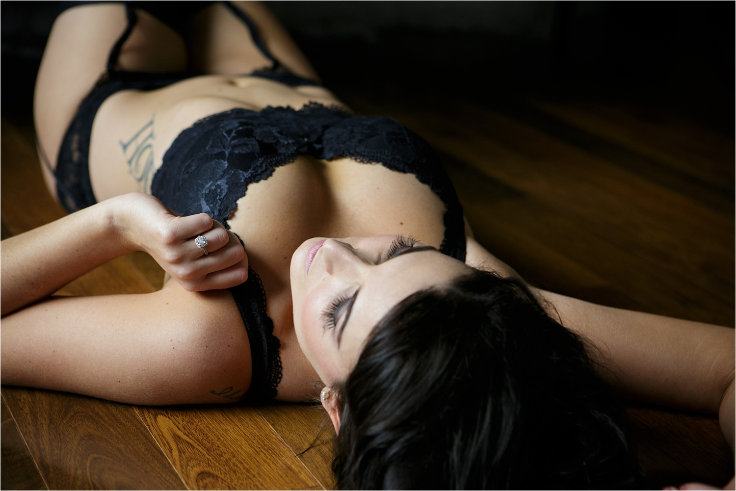 Omaha-Boudoir-Photographer-Studio
